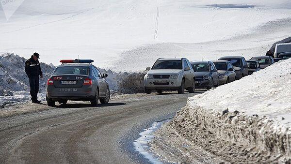 Очередь на Военно-Грузинской дороге - Sputnik Армения