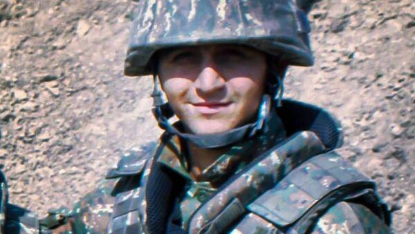 Геворг Варданян на боевой позиции - Sputnik Армения