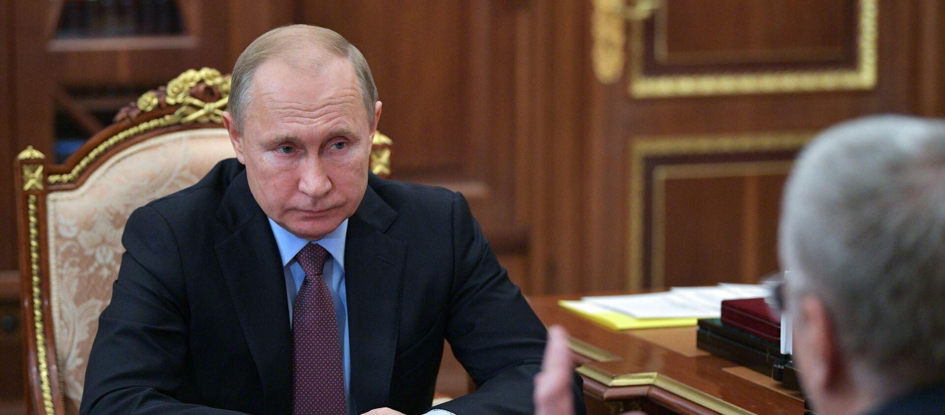 Владимир Путин во время встречи с Владимиром Жириновским - Sputnik Армения, 1920, 17.02.2021