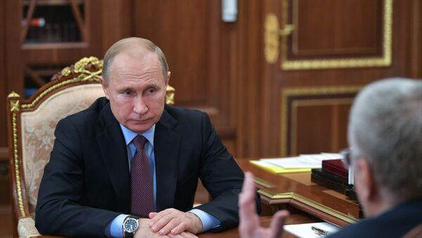 Владимир Путин во время встречи с Владимиром Жириновским - Sputnik Армения
