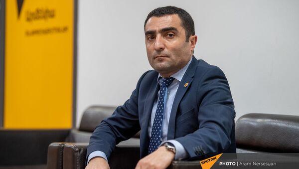 Министр окружающей среды Романос Петросян в гостях радио Sputnik - Sputnik Армения