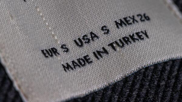Этикетка на турецкой одежде - Sputnik Армения