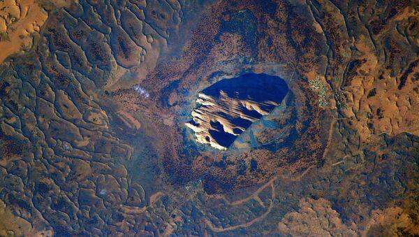 Одна из главных природных достопримечательностей Австралии скала Урулу - Sputnik Армения