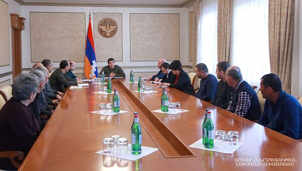 Президент Карабаха Араик Арутюнян встретился с жителями перешедших азербайджанской стороне сел Аскеранской области (19 февраля 2021). Степанакерт - Sputnik Արմենիա