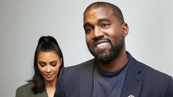 Ким Кардашьян Уэст и Канье Уэст отвечают на вопросы СМИ (17 ноября 2019). Хьюстон - Sputnik Արմենիա
