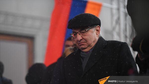 Вазген Манукян на митинге оппозиции (20 февраля 2021). Еревaн - Sputnik Արմենիա