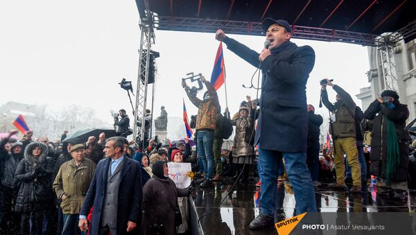 Ишхан Сагателян выступает на митинге оппозиции (20 февраля 2021). Еревaн - Sputnik Արմենիա