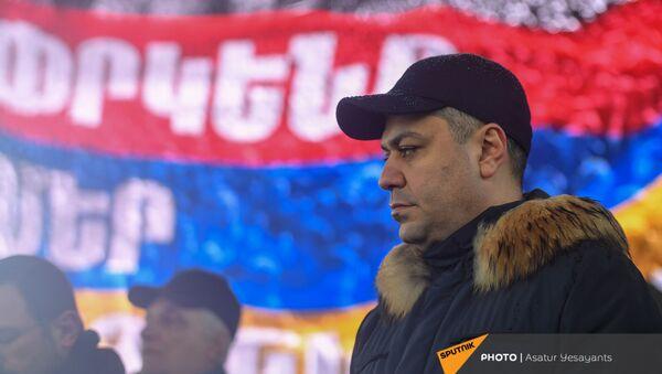 Артур Ванецян на митинге оппозиции (20 февраля 2021). Еревaн - Sputnik Արմենիա