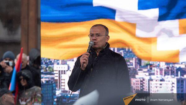 Сейран Оганян выступает на митинге оппозиции (20 февраля 2021). Еревaн - Sputnik Արմենիա