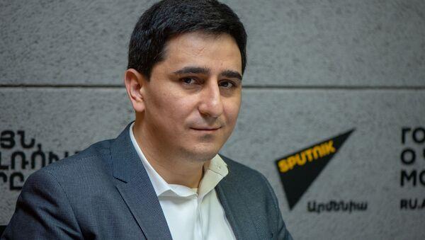 Представитель Армении в Европейском суде по правам человека Егише Киракосян в гостях радио Sputnik - Sputnik Армения