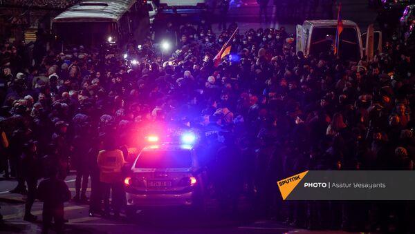 Шествие протеста оппозиции по центральным улицам столицы (23 февраля 2021). Еревaн - Sputnik Արմենիա
