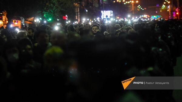 Шествие протеста оппозиции по центральным улицам столицы (23 февраля 2021). Еревaн - Sputnik Армения