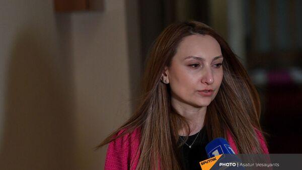 Лилит Макунц в здании Парламента (25 февраля 2021). Еревaн - Sputnik Армения