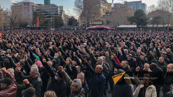 Площадь Свободы во время митинга оппозиции (25 февраля 2021). Еревaн - Sputnik Արմենիա