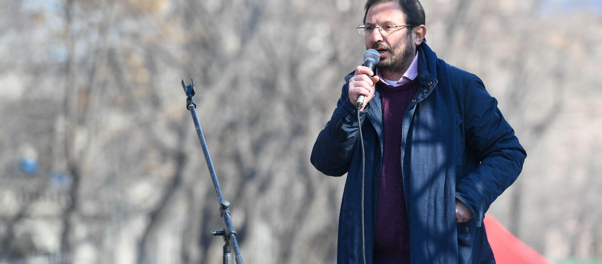 Речь Гегама Манукяна во время митинга оппозиции на проспекте Баграмяна (27 февраля 2021). Еревaн - Sputnik Արմենիա, 1920, 10.03.2021