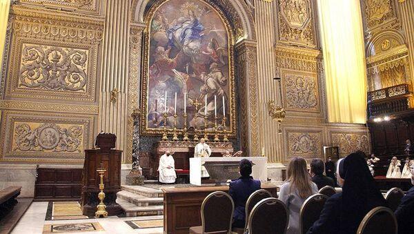 Литургия, посвященная Дню памяти Григория Нарекаци, прошла в базилике Святого Петра под председательством Леонардо Кардинала Сандри, префекта Конгрегации Православных Церквей Святого Престола (28 февраля 2021). Ватикан - Sputnik Արմենիա