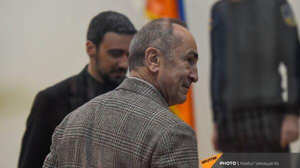 Роберт Кочарян в зале суда перед началом заседания по делу 1 марта (2 марта 2021). Еревaн - Sputnik Արմենիա