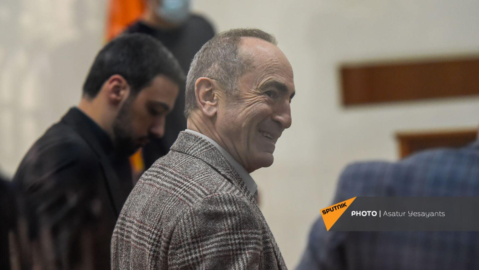 Роберт Кочарян в зале суда перед началом заседания по делу 1 марта (2 марта 2021). Еревaн - Sputnik Արմենիա, 1920, 31.08.2021