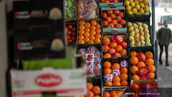 Овощной рынок в Ереване - Sputnik Армения