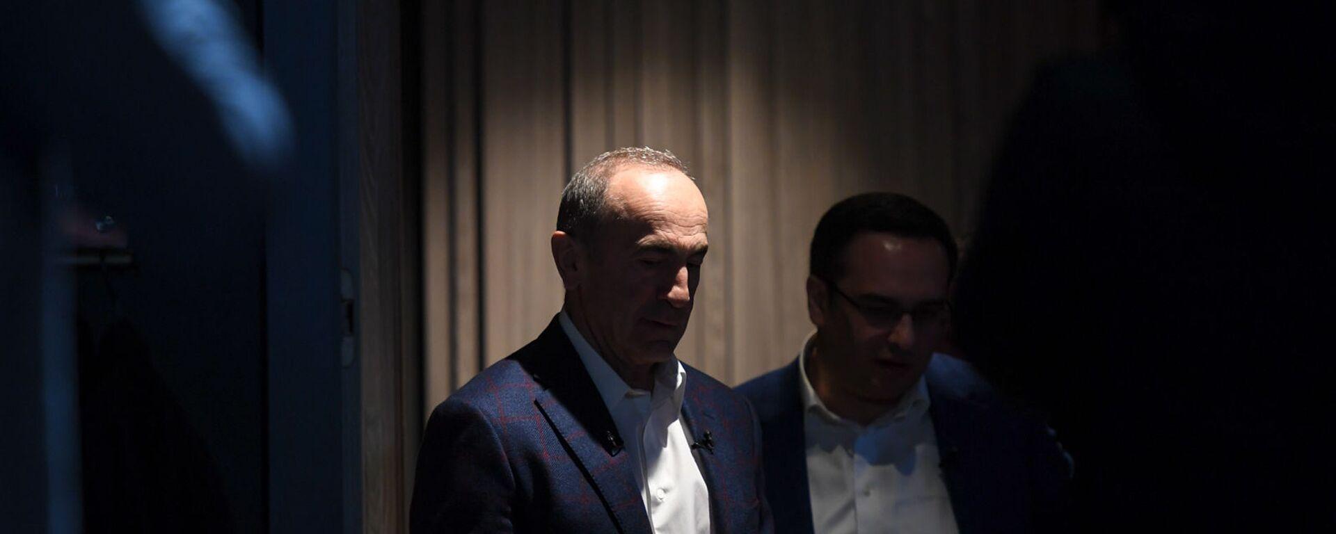 Пресс-конференция второго президента Армении Роберта Кочаряна для российских журналистов (4 марта 2021). Еревaн - Sputnik Армения, 1920, 05.03.2021