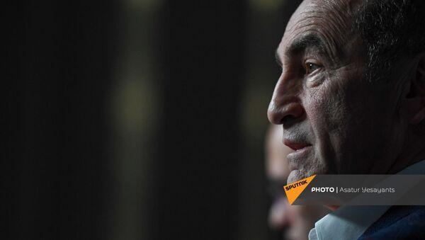 Пресс-конференция второго президента Армении Роберта Кочаряна для российских журналистов (4 марта 2021). Еревaн - Sputnik Արմենիա