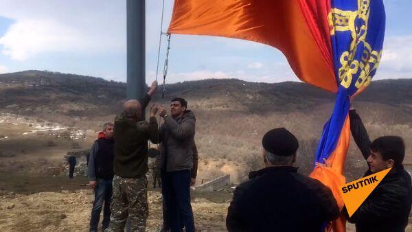 Սյունիքի Շուռնուռ գյուղում բարձրացվեց 30 մետրանոց Հայոց եռագույնը - Sputnik Արմենիա