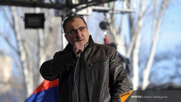 Ара Сагателян выступает перед журналистами на митинге оппозиции (9 марта 2021). Еревaн - Sputnik Արմենիա