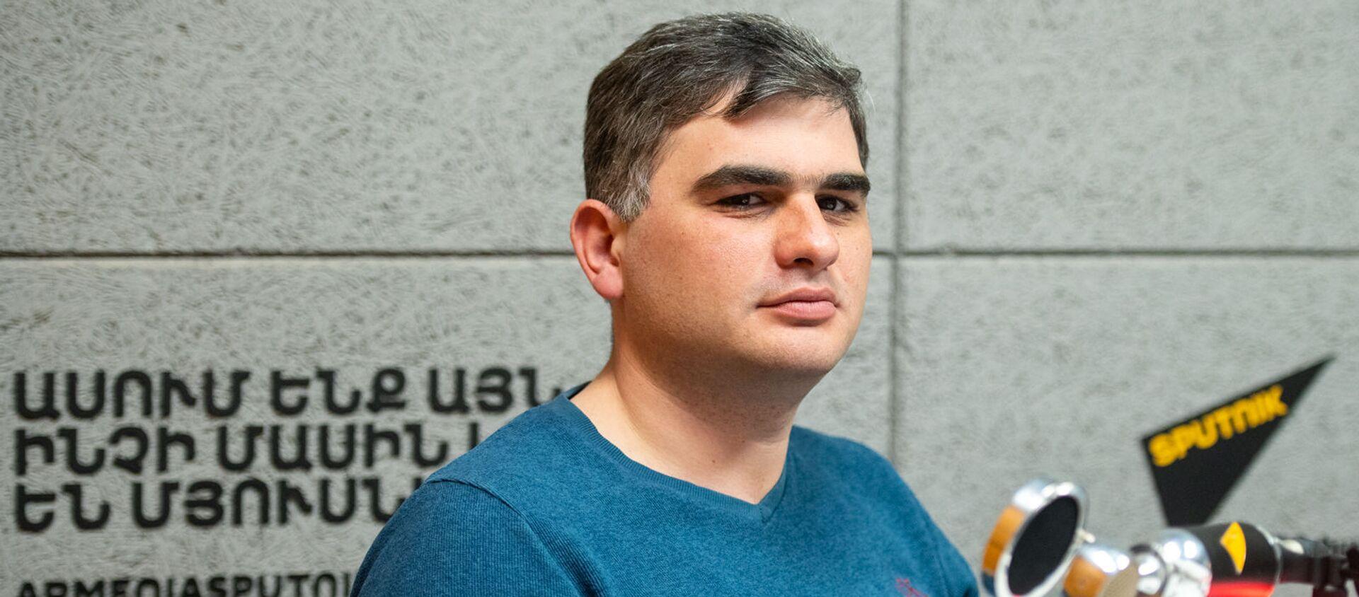 Сурен Парсян в гостях радио Sputnik Армения - Sputnik Արմենիա, 1920, 01.06.2021