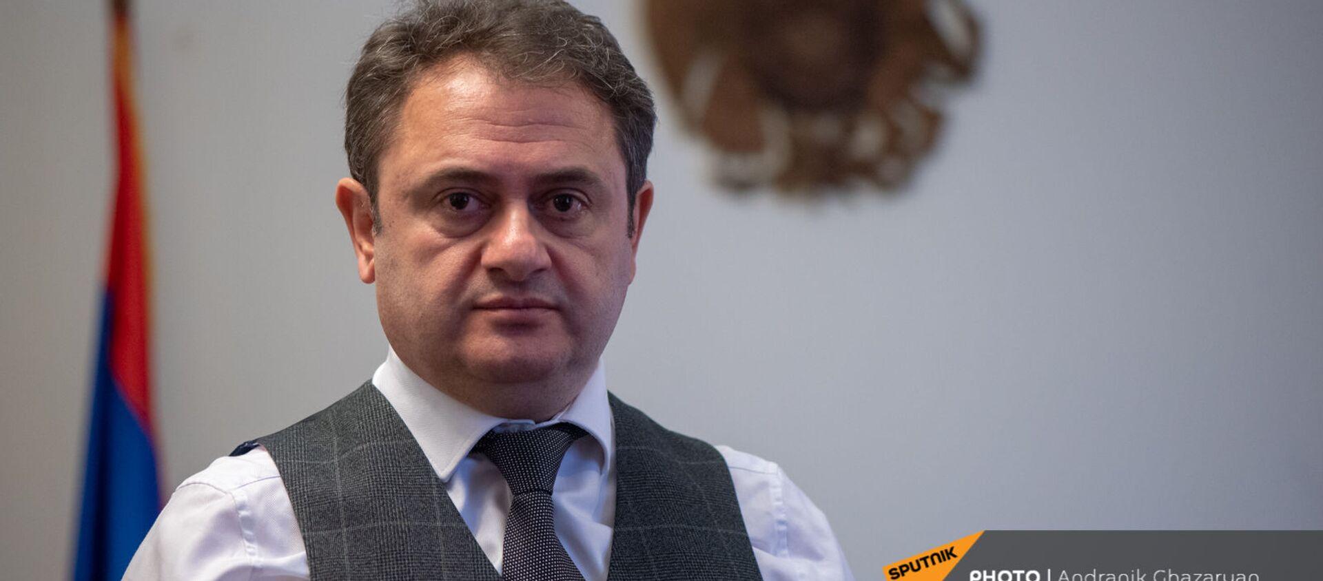 Губернатор Тавушской области Айк Чобанян во время интервью Sputnik Армения - Sputnik Արմենիա, 1920, 11.03.2021