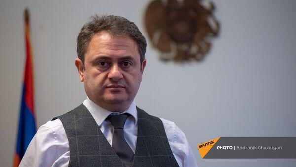 Губернатор Тавушской области Айк Чобанян во время интервью Sputnik Армения - Sputnik Արմենիա