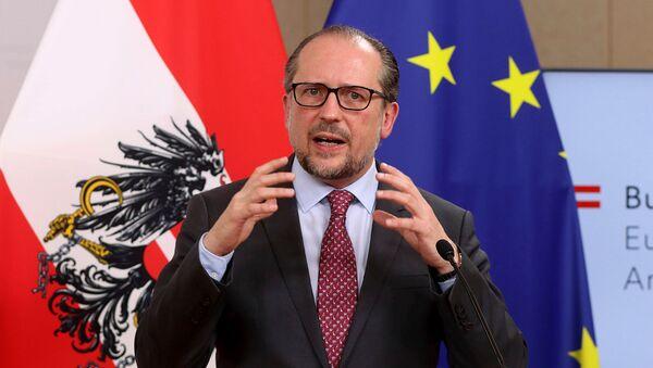 Министр иностранных дел Австрии Александр Шалленберг на совместной пресс-конференции с главой МИД Испании (12 марта 2021). Вена - Sputnik Արմենիա