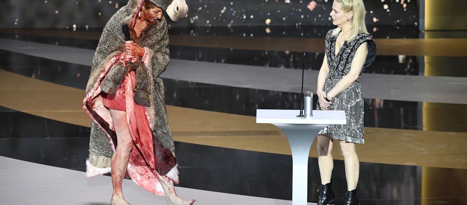 Актриса Коринн Масьеро во время 46-й церемонии вручения премии Сезар (12 марта 2021). Париж - Sputnik Արմենիա, 1920, 13.03.2021
