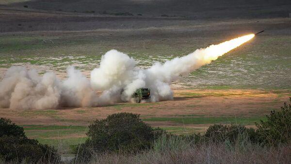 Американская высокомобильная система залпового огня на колёсном шасси HIMARS - Sputnik Արմենիա