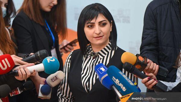 Депутат парламента Армении Тагуи Товмасян отвечает на вопросы журналистов (16 марта 2021). Еревaн - Sputnik Армения