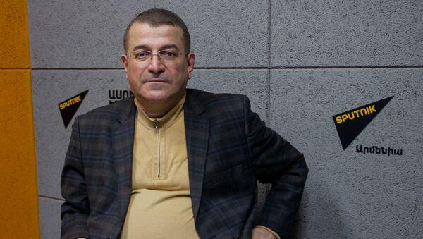 Президент общественной организации «Поворот к развитию», политолог Эдуард Антинян в гостях радио Sputnik - Sputnik Արմենիա