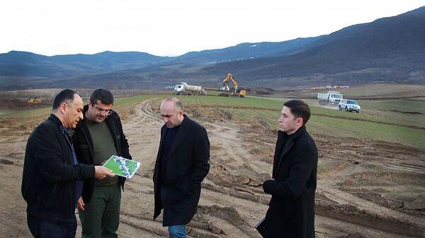 Президент Карабаха Араик Арутюнян посетил общины Дахрав, Астхашен и Патара Аскеранского района (18 марта 2021).  - Sputnik Армения