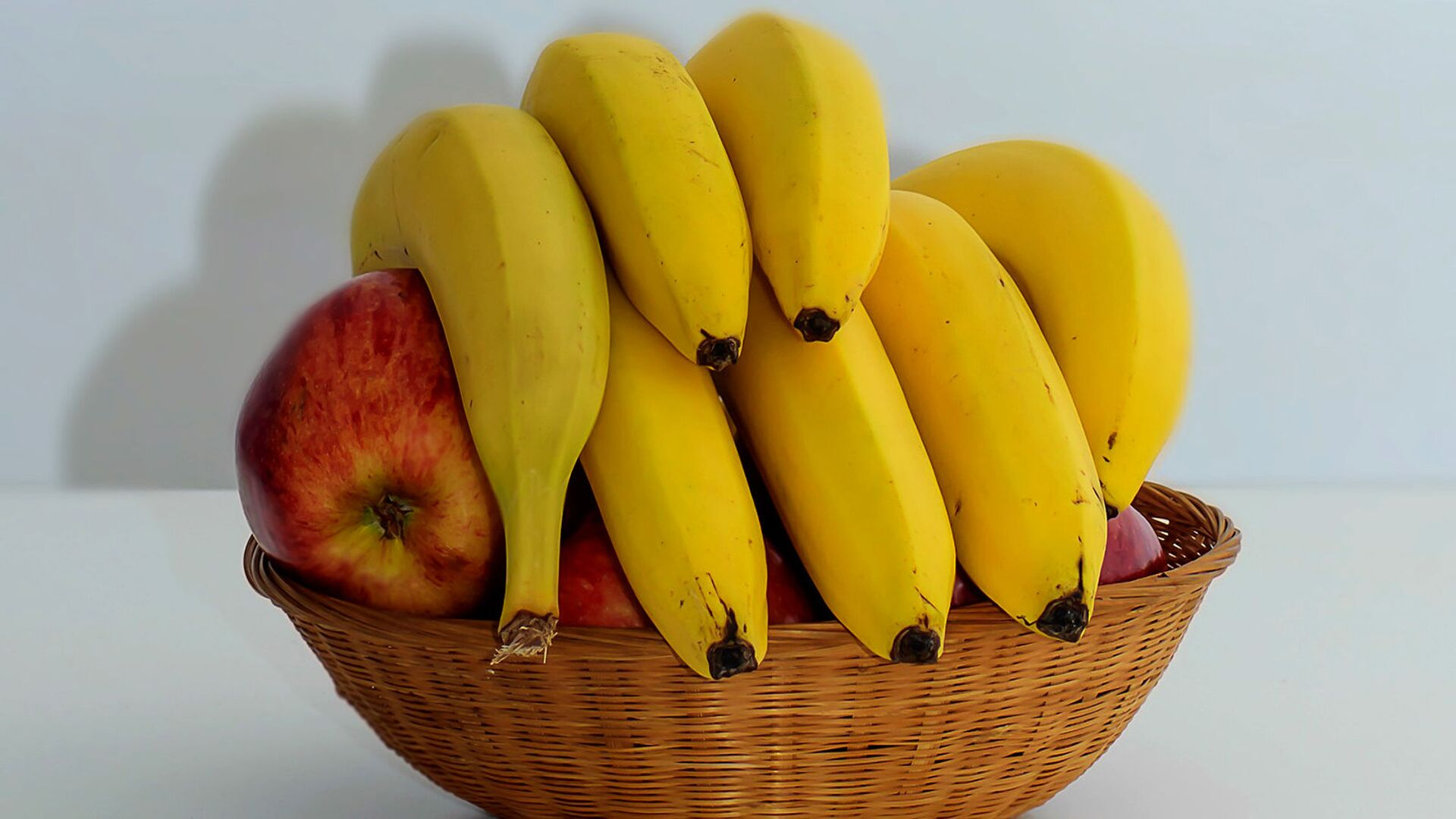 Бананы в корзинке - Sputnik Արմենիա, 1920, 19.03.2021