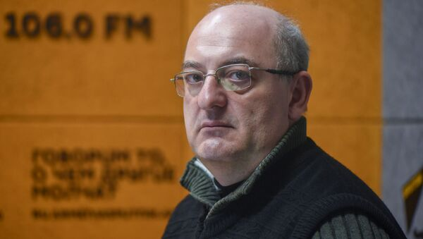 Политтехнолог Армен Бадалян в гостях радио Sputnik - Sputnik Արմենիա