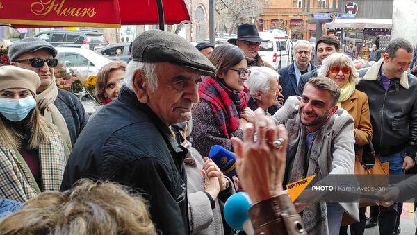 В Ереване установили звезду Артавазда Пелешяна (20 марта 2021). Еревaн - Sputnik Արմենիա