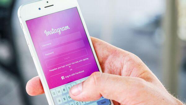 Instagram запретит взрослым отправлять личные сообщения подросткам - Sputnik Армения
