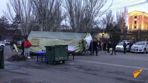 Оппозиционные силы убрали палатки с проспекта Баграмяна - Sputnik Армения