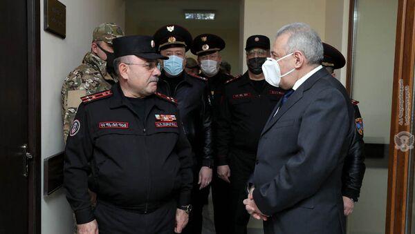 Министр обороны Вагаршак Арутюнян посетил военную полицию МО РА (23 марта 2021). Еревaн - Sputnik Армения