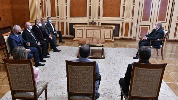 Президент Армен Саркисян встретился с членами совета Национально-демократического полюса (25 марта 2021). Еревaн - Sputnik Армения