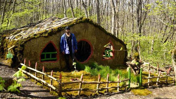 Домик в лесу, изготовленный Арутюном Акопяном - Sputnik Армения