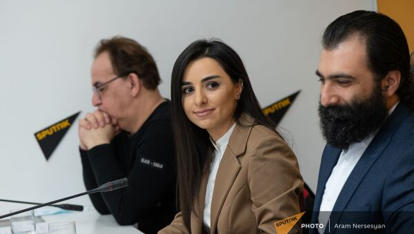 Консультант по производству Асмик Аветисян на пресс-конференции на тему своего нового кинопроекта Возрождение в мультимедийном пресс-центре Sputnik Армения (30 марта 2021). Еревaн - Sputnik Արմենիա