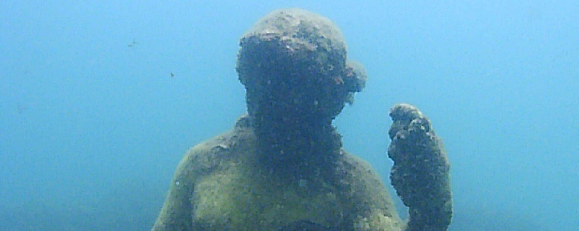 Статуя в затопленном археологическом парке Байи - Sputnik Արմենիա, 1920, 30.03.2021
