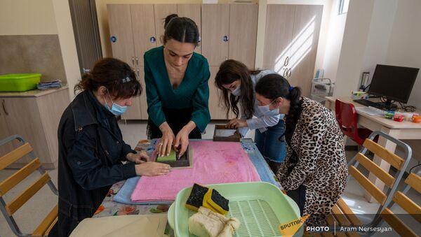 Воспитанники учебно-реабилитационного центра  «Мой путь» для детей и подростков с аутизмом - Sputnik Армения