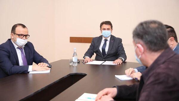 Министр высокотехнологичной промышленности Айк Чобанян посетил Комитет по военной промышленности РА (6 апреля 2021). Еревaн - Sputnik Արմենիա
