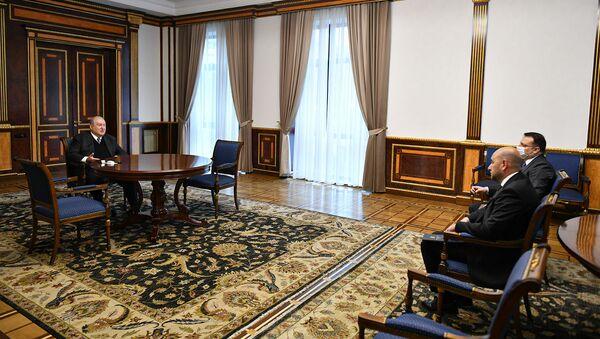 Президент Армен Саркисян принял председателя ЦБ Мартина Галстяна (6 апреля 2021). Еревaн - Sputnik Армения