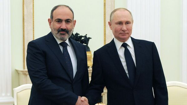 Премьер-министр Армении Никол Пашинян на встрече с президентом России Владимиром Путиным (7 апреля 2021). Москва - Sputnik Արմենիա